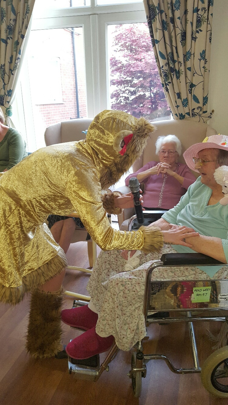 WIZARD OF OZ CHARACTERS JOINS HANBURY COURT